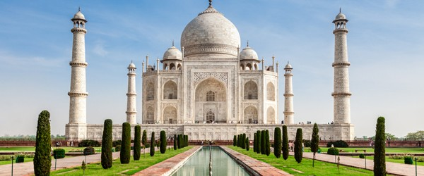 Taj Mahal in India (Shutterstock.com)