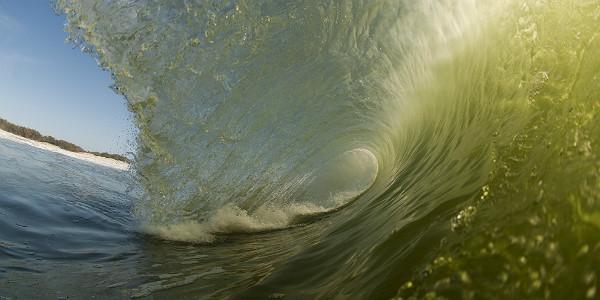WaveBreakingatSouthStradbrokeIsland