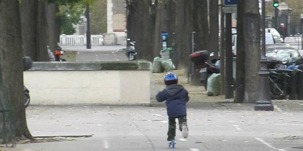 Childon a Razor Kick Scooter
