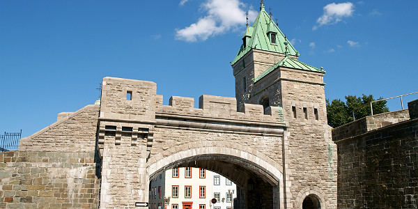 Porte Saint Louis (Shutterstock.com)