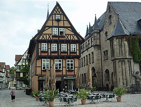 Quedlinburg (Godfrey Hall)