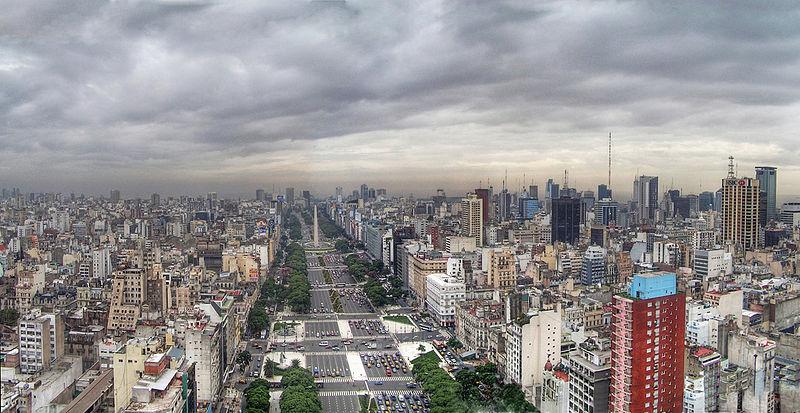 Avenida 9 de Julio Credit: Wikipedia & Jose Maria Perez Nunez
