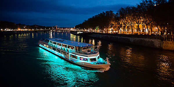 Dinner Cruise on Hermès (David Wishart)