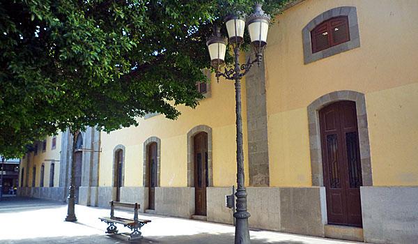 Under the Trees in a Santa Cruz Square (Godfrey Hall)