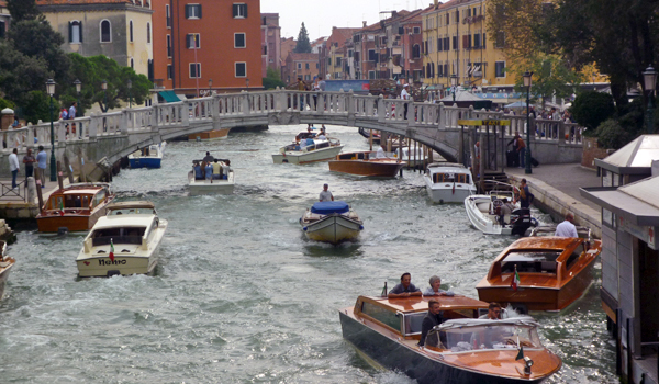 Rush Hour in Venice (Godfrey Hall)