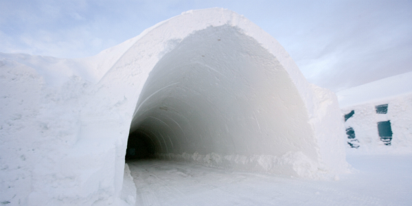 ICEHOTEL Entrace (Courtesy ICEHOTEL.com)