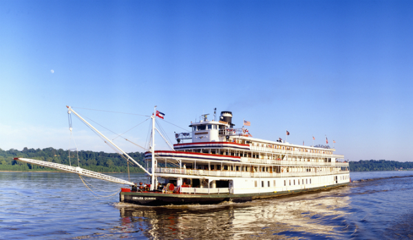 American Queen on the Mississippi River