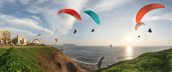 ParaglidinginMirafloresLimaPeruFeatured