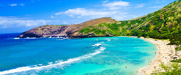 Snorkerling Bay in Oahu Featured (Shutterstock.com)