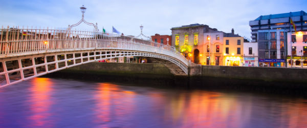 Ha'penny Bridge in Dublin Featured (Shutterstock.com)