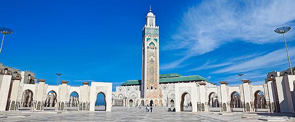 Hassan II Mosque, Casablanca Featured (Shutterstock.com)