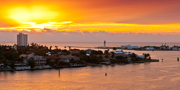 Sunrise in Port Everglades, Fort Lauderdale (Shutterstock.com)