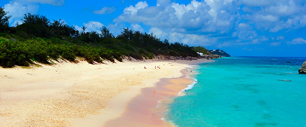 Pink Sand Beach, Bermuda Featured (Shutterstock.com)