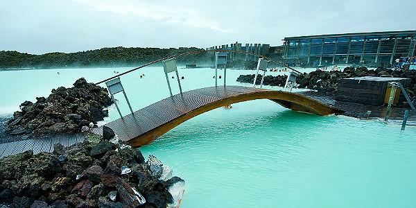 Blue Lagoon Geothermal Spa (Shutterstock.com)