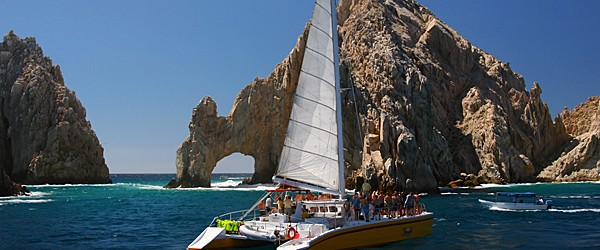El Arco, the Arch of Cabo San Lucas Featured (Shutterstock.com)