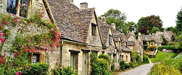 Village of Bibury (Shutterstock.com) Featured