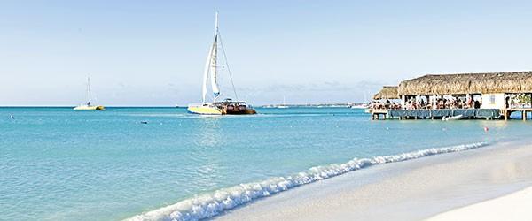 Beach at Aruba Featured (Shutterstock.com)