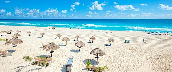 Cancun Beach Featured (Shutterstock.com)