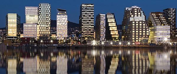 Oslo Skyline by Night Featured (Shutterstock.com)