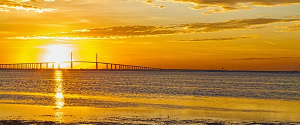 Sunrise over Sunshine Skyway Bridge, Tampa Featured (Shutterstock.com)