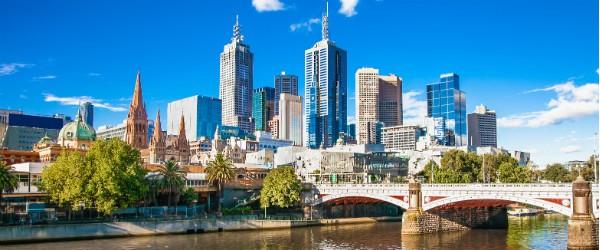 Melbourne Skyline (Shurtterstock.com)