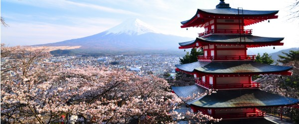 Red pagoda with Mt. Fuji as the background (Shutterstock.com)