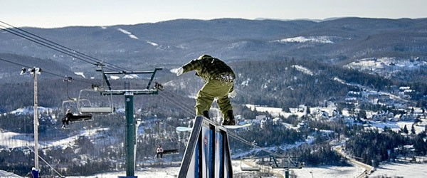 Boardslide at Mont Tremblant, Montreal Featured (Shutterstock.com)