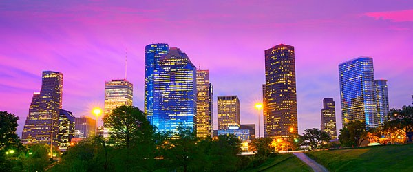 Houston Skyline at Sunset Featured (Shutterstock.com)