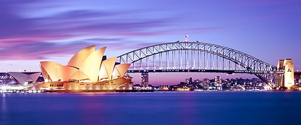 Sydney Harbour at Dusk Featured (Shutterstock.com)