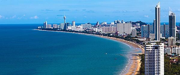 Marine Drive, Mumbai Featured (Shutterstock.com)